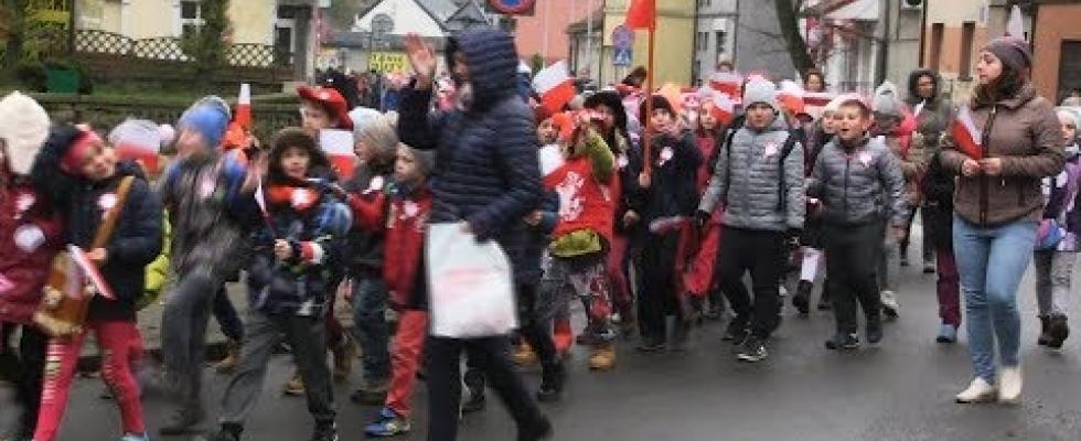 Embedded thumbnail for Marsz Niepodległości w Skarszewach 2017